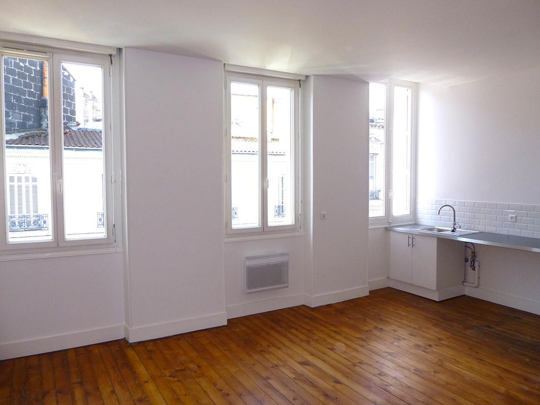 T1 bis 1er tage bordeaux jardin public agence for Appartement t1 bordeaux