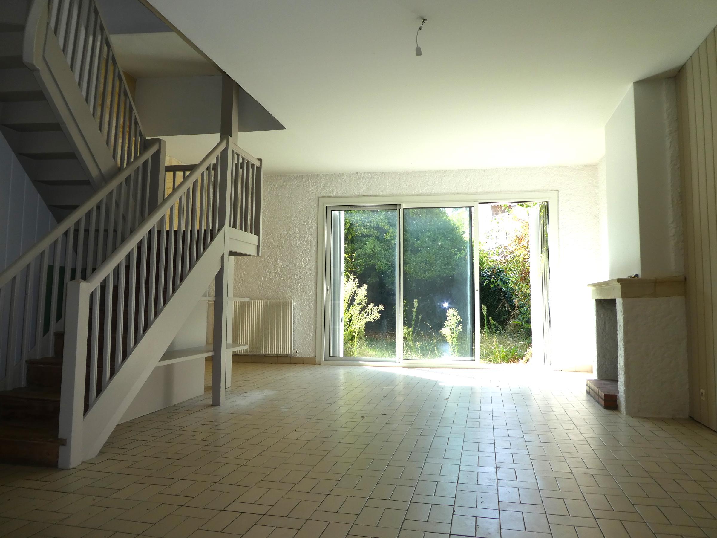 Immeuble bordeaux naujac agence immobili re jonqu res for Appartement bordeaux 40m2
